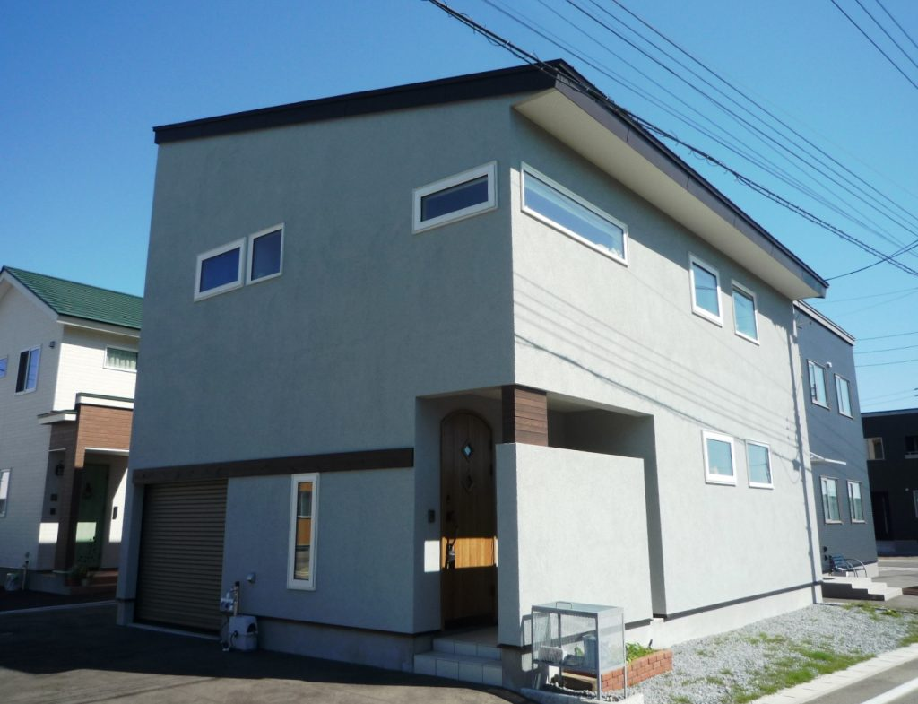 長く快適に暮らせる省エネルギーな家。あったかエアコンにも満足しています。